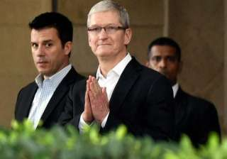 Apple CEO Tim Cook had a packed schedule on the first day and now he is on his second day visit. Cook began his first day by visiting the Siddhi Vinayak Temple, and then held several meetings with top Indian business leaders before attending a gala dinner with Bollywood stars. Here are some inside pictures of his tour.