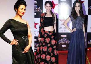 TV celebs mesmerised everyone with their stylish appearances as they graced Star Parivaar Awards 2017. From Divyanka Tripathi to Sanaya Irani, Tv stars put their stylish foot forward and didn't disappoint their fans.
