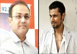 Twitter goes to war on Sehwag, Randeep Hooda's tweets