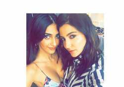 Anushka Sharma and Sonam Kapoor