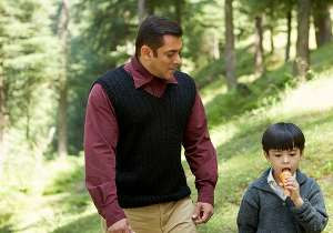 Tubelight Movie Review: Little Star Matin Ray Tangu Overshadows Salman Khan With His Innocence