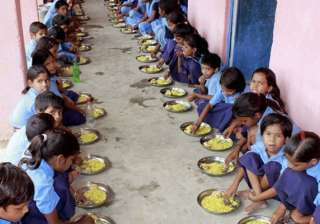children having mid-day meal - India TV