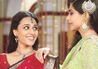 Sonam Kapoor, Swara Bhaskar - India TV