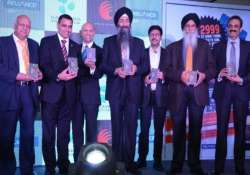 datawind launches pocketsurfer smartphones at rs 1 999
