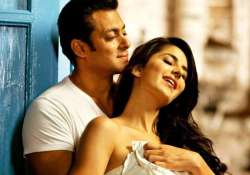 see how old were salman khan s leading ladies when he made