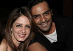 sussanne arjun rampal are lying about their relationship.