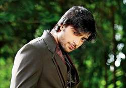 it s a slick stylish shaleen bhanot on debut song