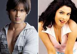shahid not yet ready for bipasha can t forget priyanka