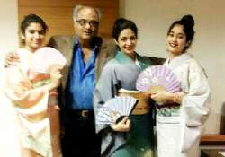 sridevi relives her hawa hawai days family poses wearing