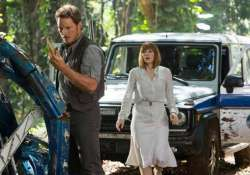 jurassic world shatters another record crosses 1 billion in