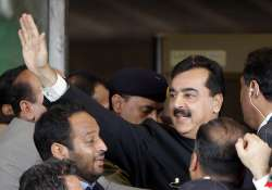 pak pm convicted in contempt case given a symbolic sentence