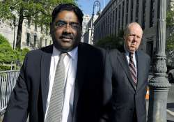 rajaratnam to pay 1.45mn to settle sec suit on gupta tips