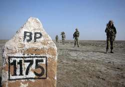 bsf nabs pakistani near lakhpat for crossing border