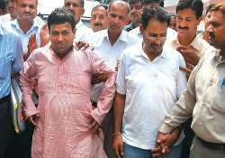 cash for vote scam suhail names congress sp leaders