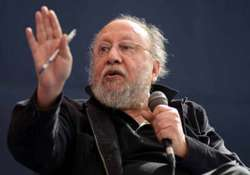 complaint filed against ashis nandy