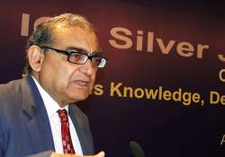 editors guild deplores justice katju s comments on media
