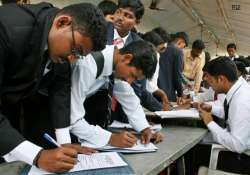 employment rises 34 pc to 12.7 cr in 8 years to 2013
