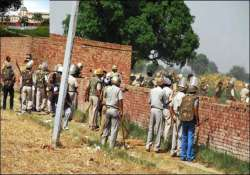 high court strikes down land acquisition in greater noida