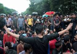 engineering college students lift blockade after 28 hours
