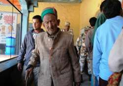 know about india s oldest voter shyam saran negi