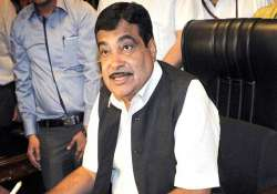 nitin gadkari to clear stalled road projects