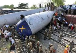 railways recorded derailment every 5th day during 2007 12