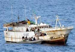 somalian pirates release 28 indian sailors