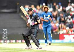 world cup 2015 police pounce on gamblers at nz vs sl match