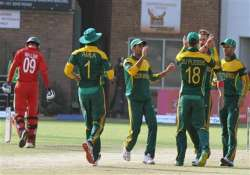 south africa cruises past zimbabwe to make tri series final