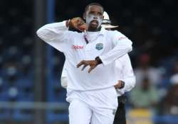saqlain impressed by windies spinner shillingford