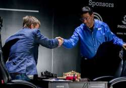 anand faces must win situation against carlsen