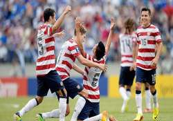 donovan s 2 goals lead us into gold cup final