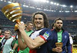 edinson cavani fires psg to french league cup title