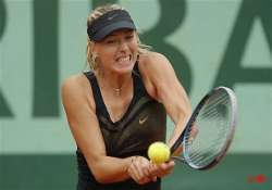 sharapova wins easily at french open