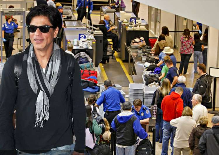 shahrukh detained for two hours at a new york airport- India Tv