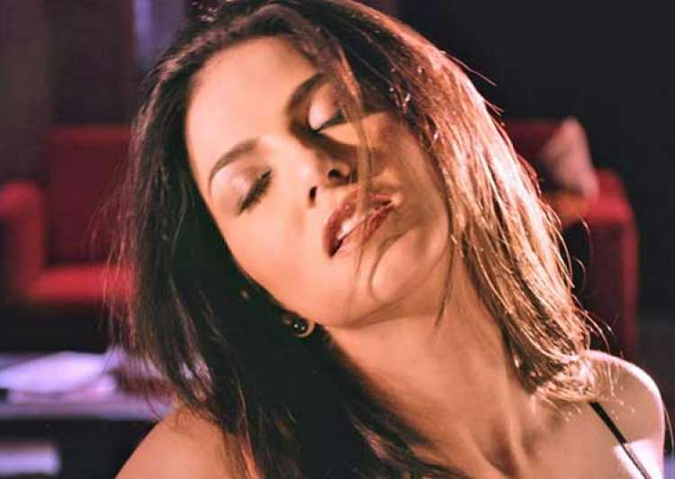 sunny leone s hot uncensored scene from ragini mms 2 leaked watch video- India Tv