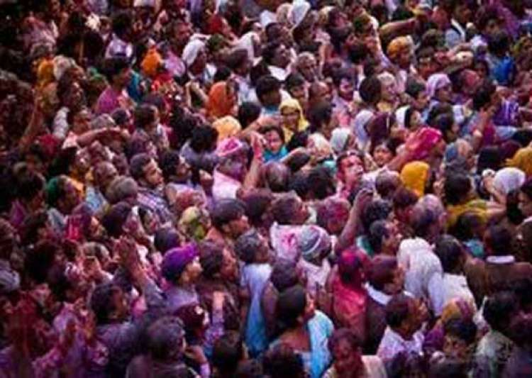 three devotees dead 20 devotees hospitalized after mathura temple stampede- India Tv