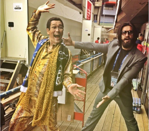 Versatile actor Ranveer, who is known for his enthusiastic and energetic attitude in Bollywood can be seen sharing a crazy moment in this pic. Sharing this funny picture ahead of the UCL final, Ranveer wrote, '' This guy stole my outfit !''