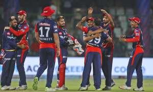 Wooden spooners Delhi Daredevils knocked defending