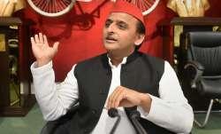 Akhilesh Yadav meets Samajwadi Party MLAs, asks to vote for
