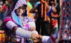 Maharashtra: Two transgenders rob women on pretext of