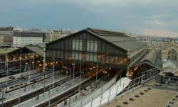Train station in Paris evacuated after bomb threat
