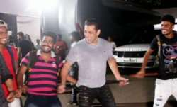Salman Khan's crazy dance on Munna Badnaam Hua with paparazzi is unmissable. Watch video