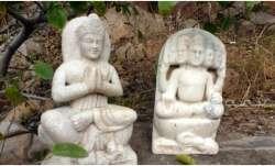 Vastu Tips:Keeping broken or cracked idols of Gods at home