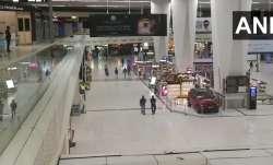 F&B shops open at Delhi airport
