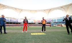 SunRisers Hyderabad vs Royal Challengers Bangalore Live Score IPL 2020: Warner opts to bowl against