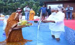 Bihar CM Nitish Kumar offered prayers on the last