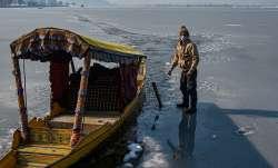 Srinagar records minus 8.4 degrees at night