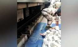 Woman jumps in front of Delhi metro on the Blue line,
