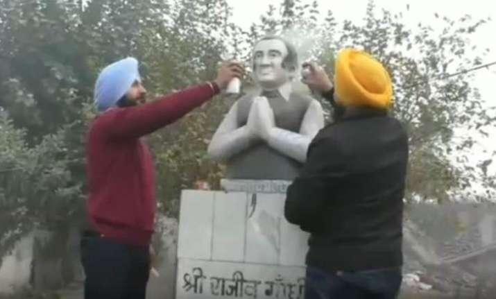 Punjab: Former PM Rajiv Gandhi's statue vandalised in